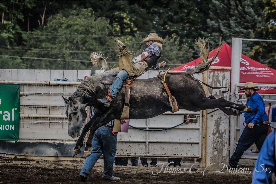 09032016_cowboy-at-Owyhee-County-Rodeo